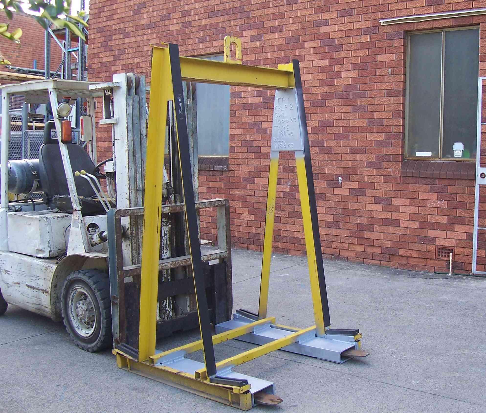 Glass Lifting Equipment.jpg