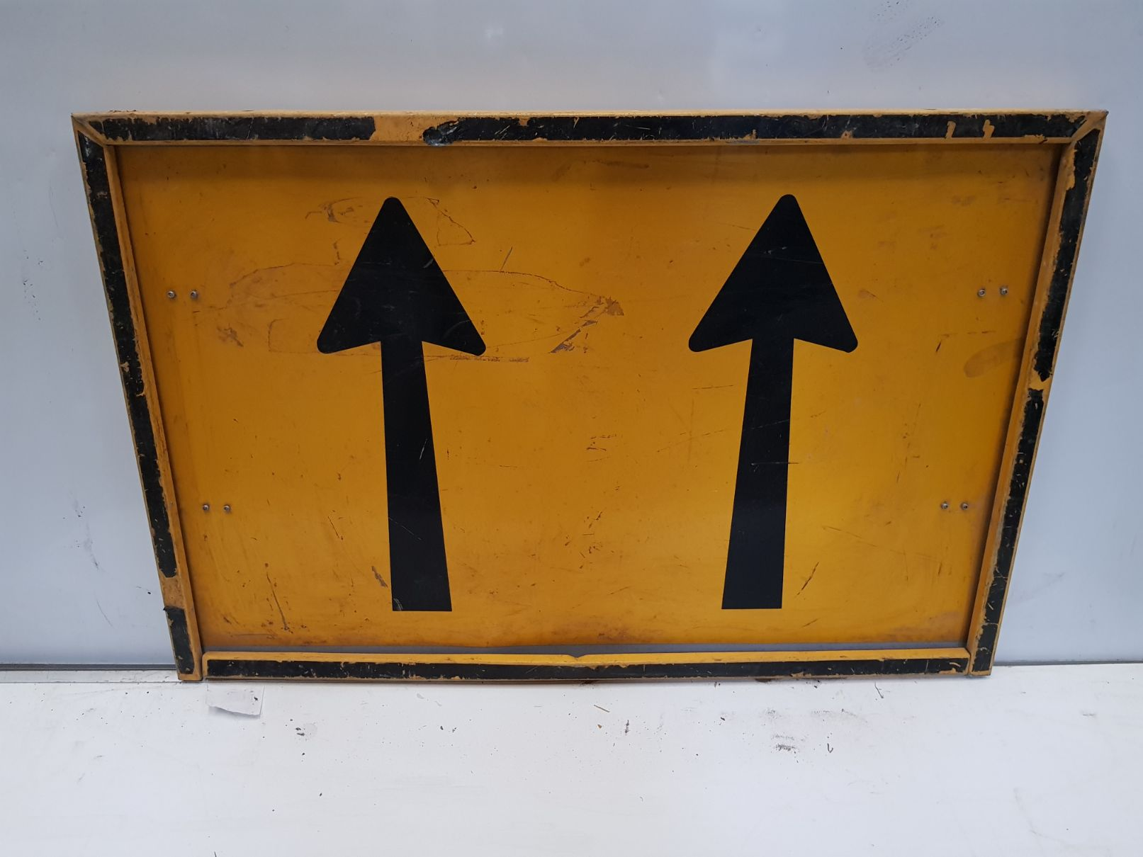 2 Lane Status Boxed Edge Sign.jpg