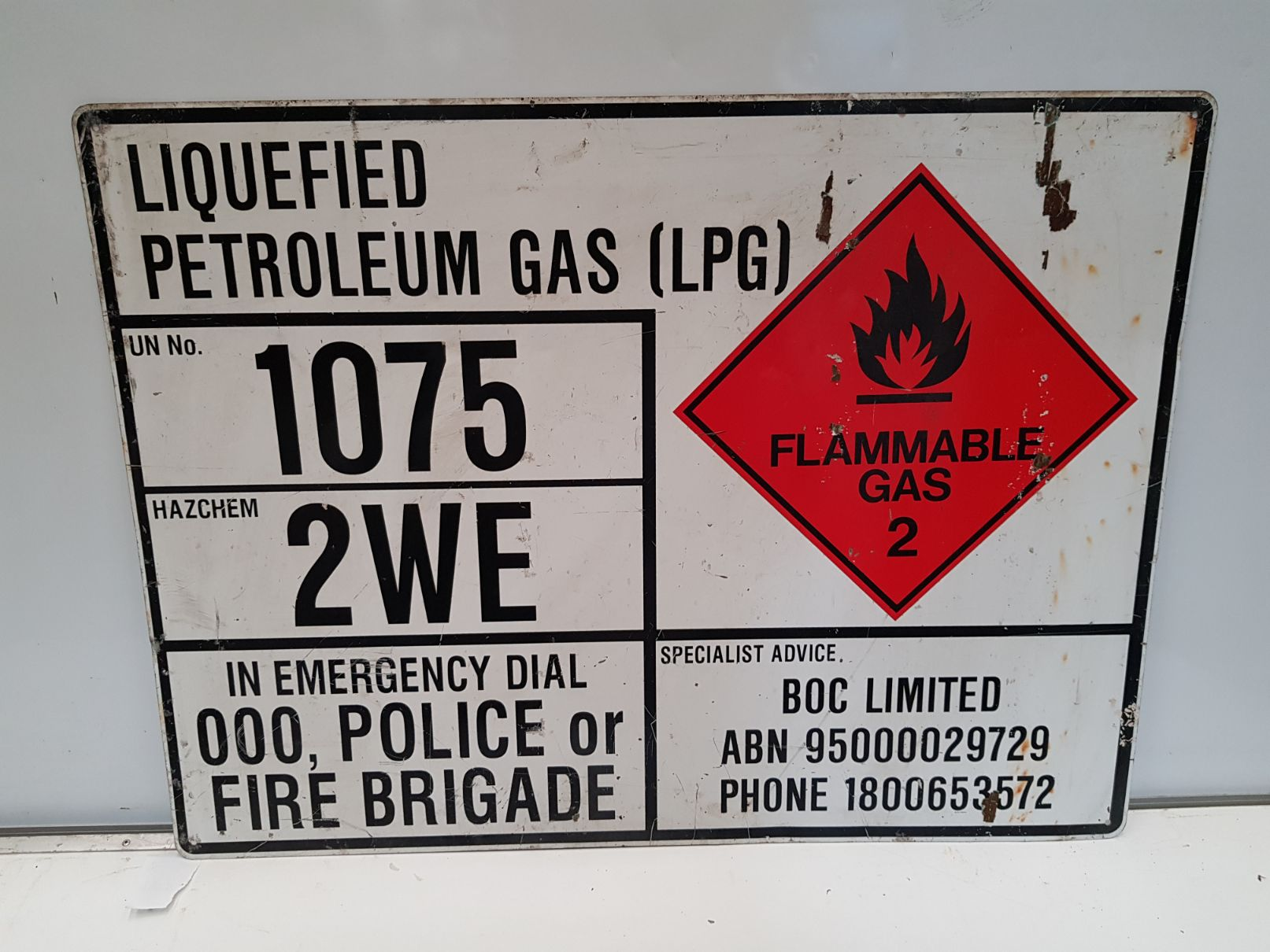 LPG Warning Boxed Edge Sign.jpg
