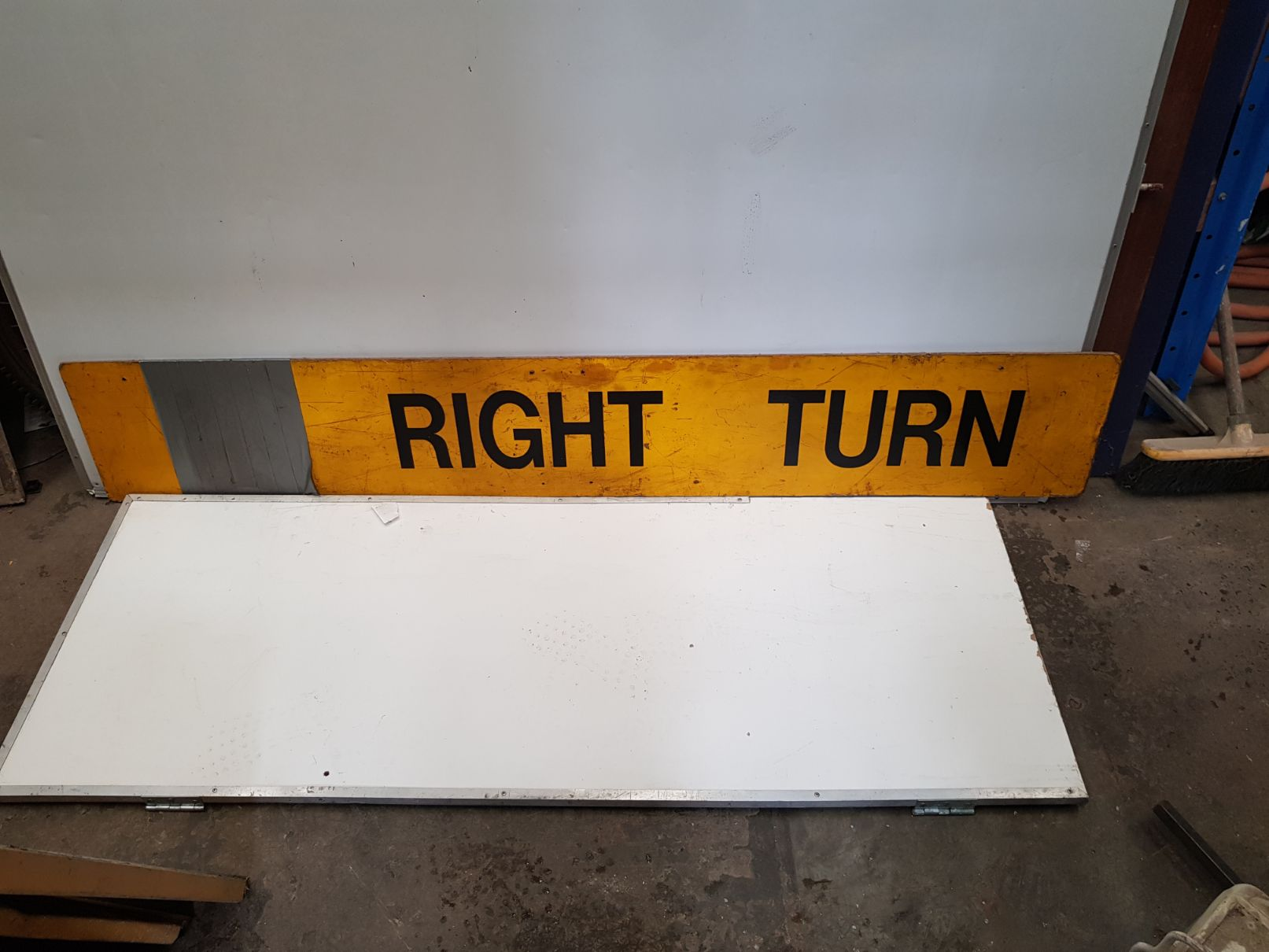 Right Turn Sign (2).jpg
