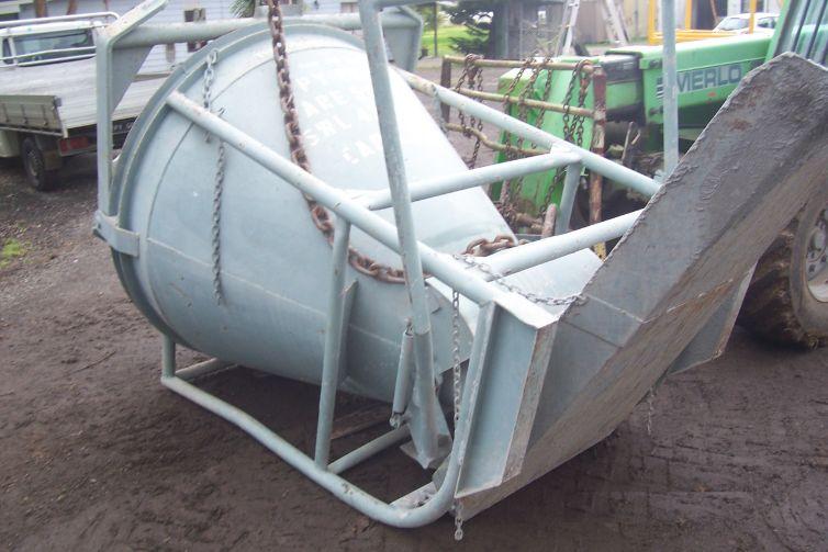 Concrete Kibble 4    Safe Working Load  - 5000 kg  Capacity  - 1.72 cbm