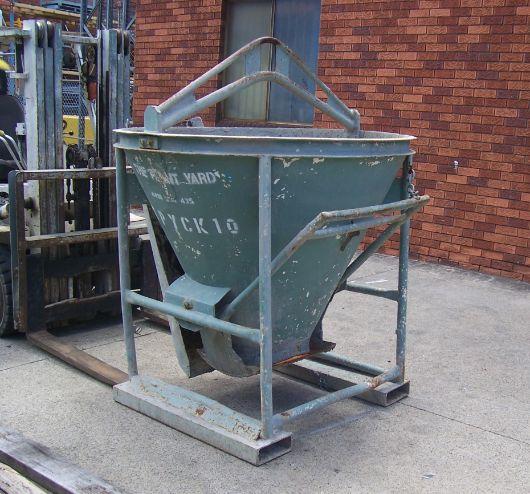 Concrete Kibble 10    Safe Working Load  - 2000 kg  Capacity  - 0.75 cbm