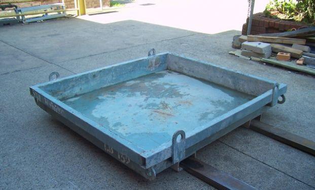 Concrete Wash Out Bin 152   Size - 1450 x 1300 x 200 mm  Capacity - 0.37 cubic m