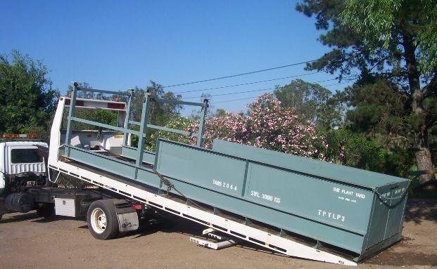 Loading Platform 3   SWL 3000 kg  3.55m inboard, 4.56m outboard, 2.1m external, 1.77m wide internal.
