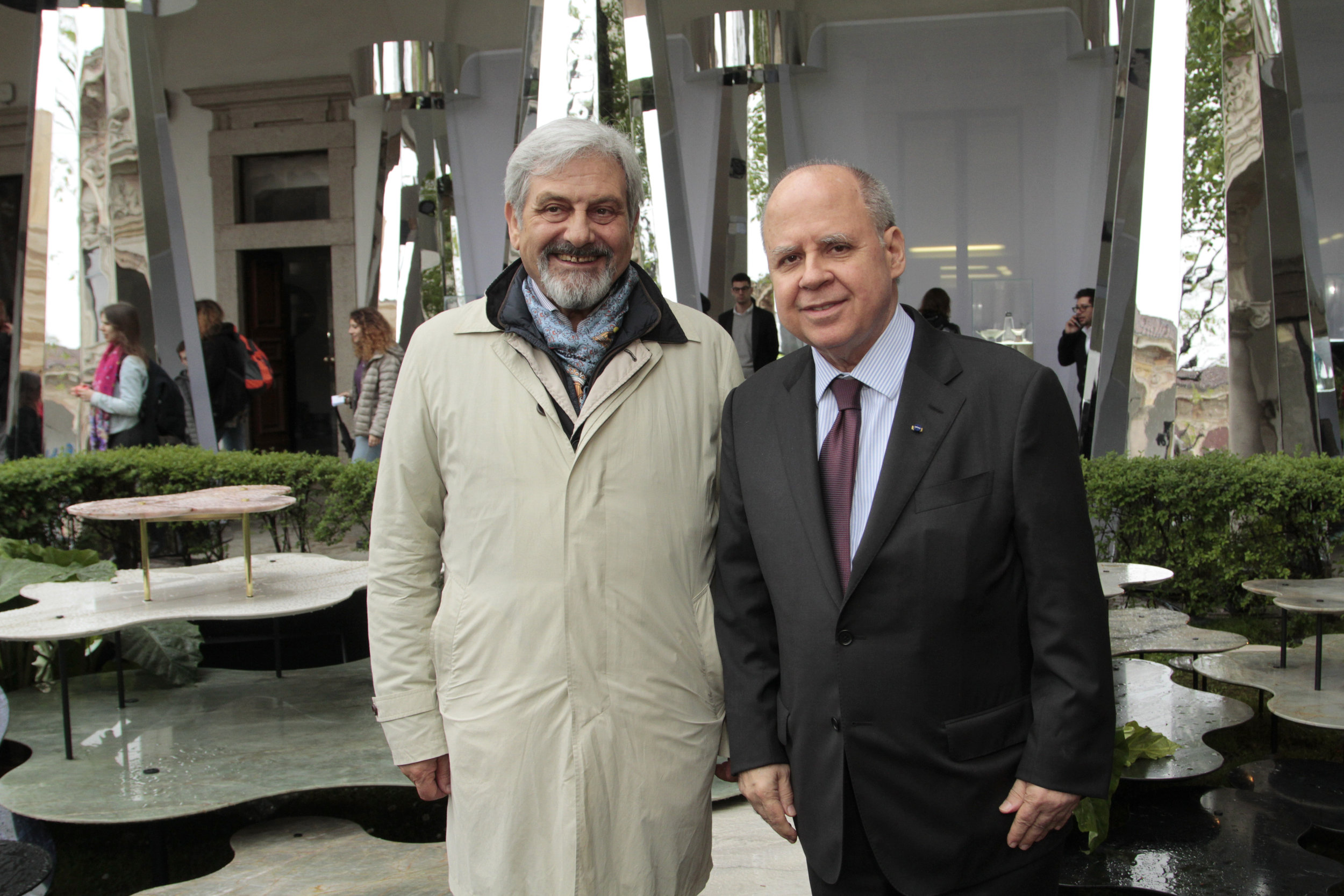 Dino Sprea e Embaixador Eduardo dos Santos