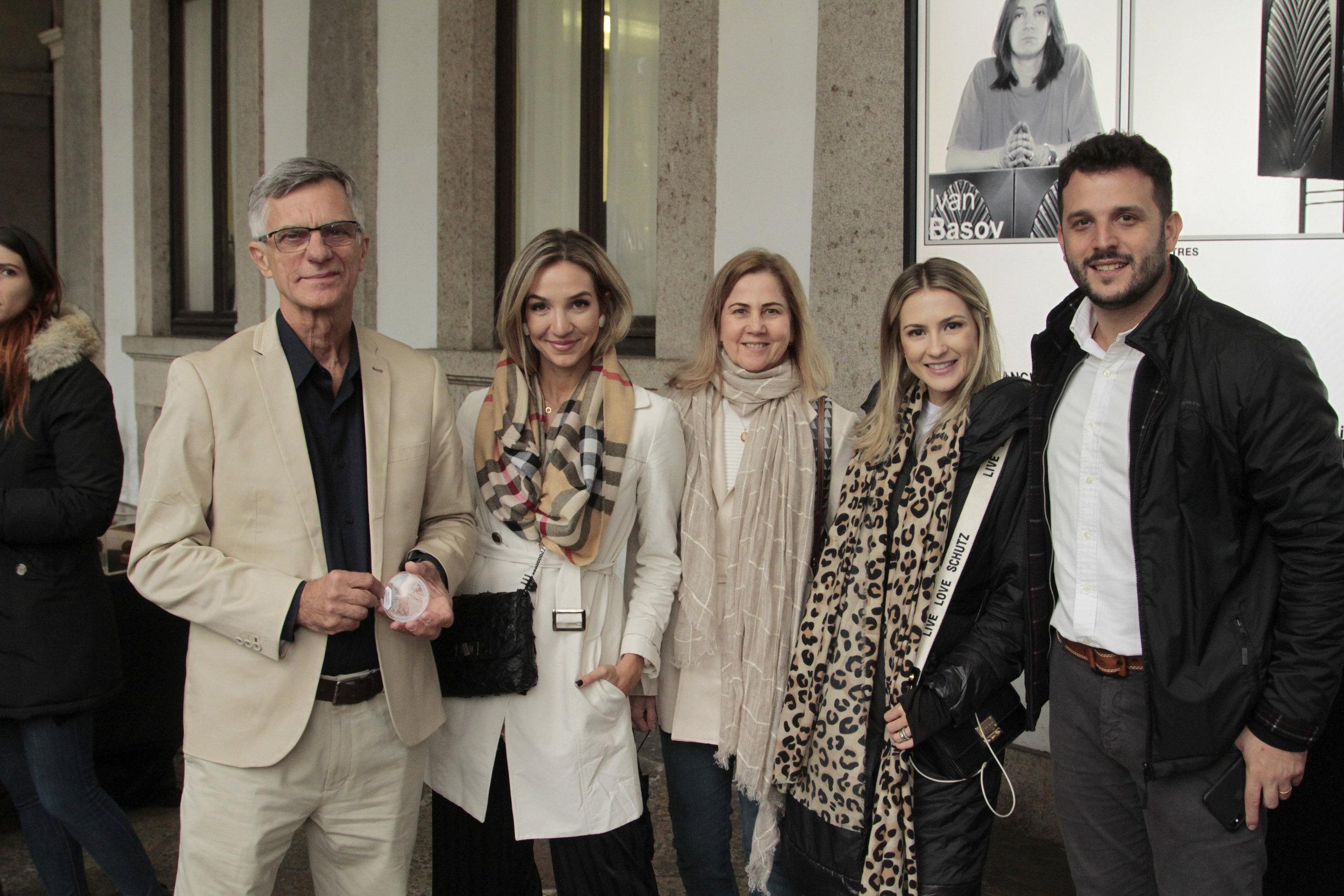 Paulo  Casate, Solana Marianelli, Deleide Baptist, Italla Monti e Lucas Chequer