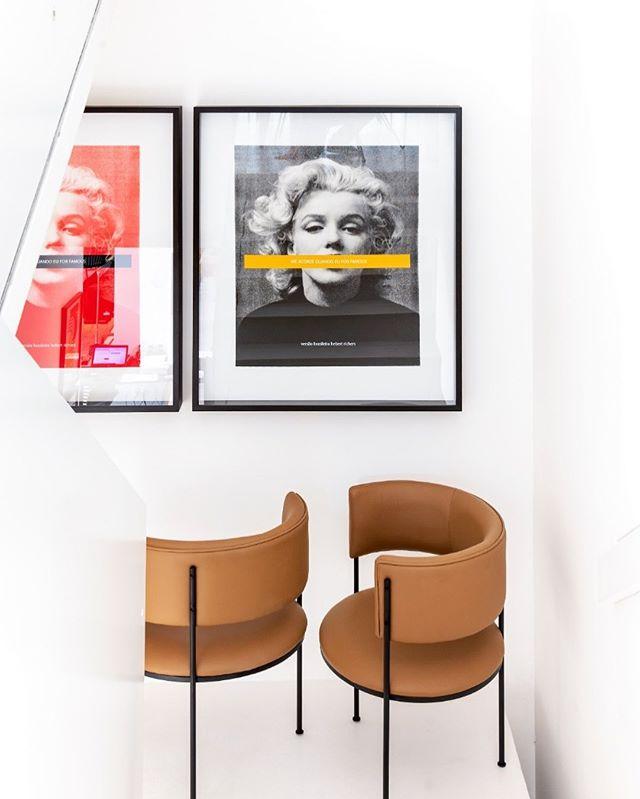 Cadeira Tub  Inspirado nas simples formas, a Linha Tub representa o estilo cosmopoita e minimalista do estúdio Sette7. A linha cria um conforma ao usuário através de seu escosto e braços unicos que abraçam o usuário.  Para saber mais informações exclusivas sobre nossas peças, curadorias e materiais acesse nosso site.  #sette7mood #design #luxurylifestyle #designboom #movelassinado #art #interiordesign #architecture #creative #instagood #furniture #homedecor #interior #furnituredesign #ideahome #productdesign #photooftheday