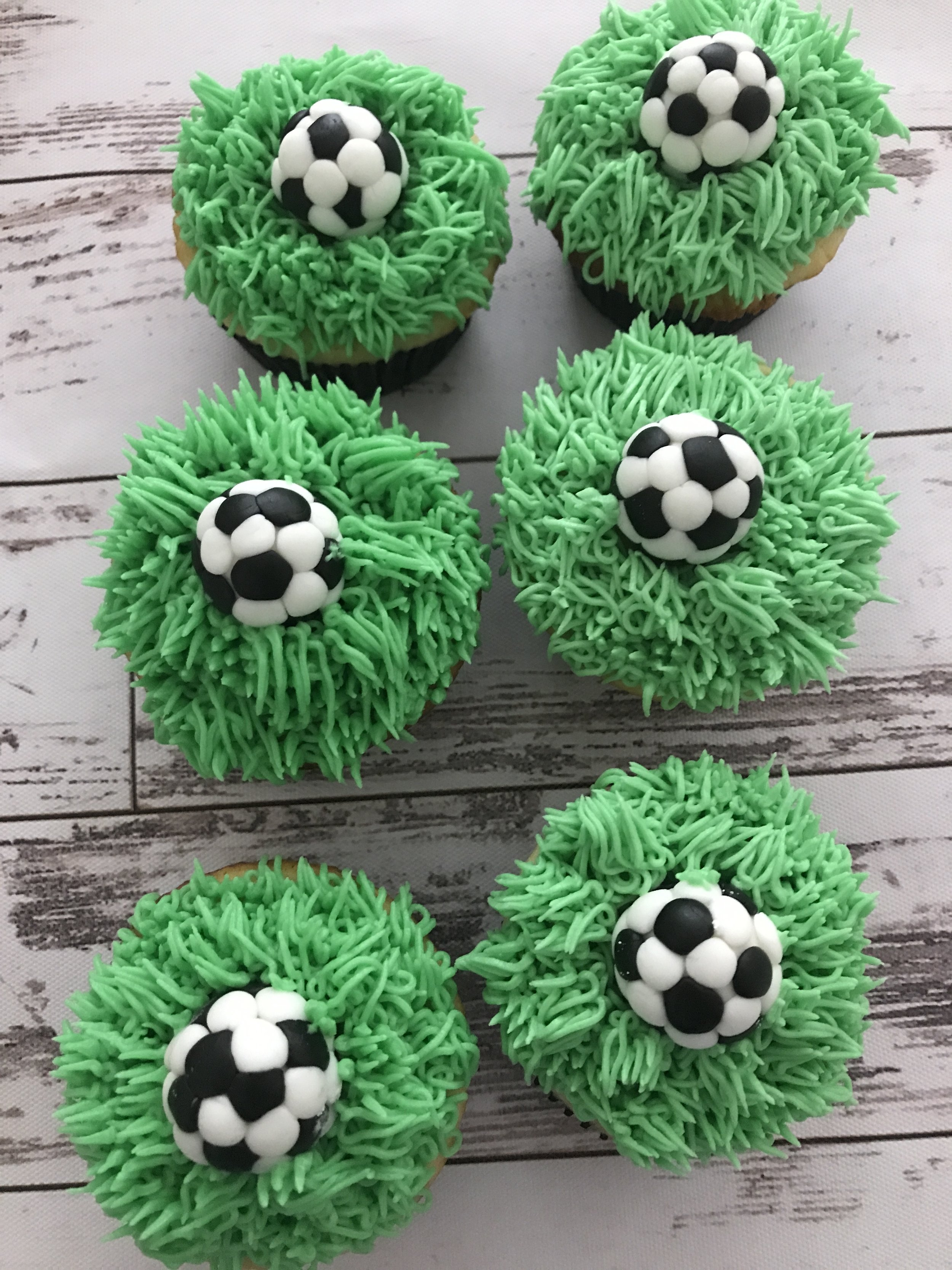 Soccer cupcakes for your favorite kicker!