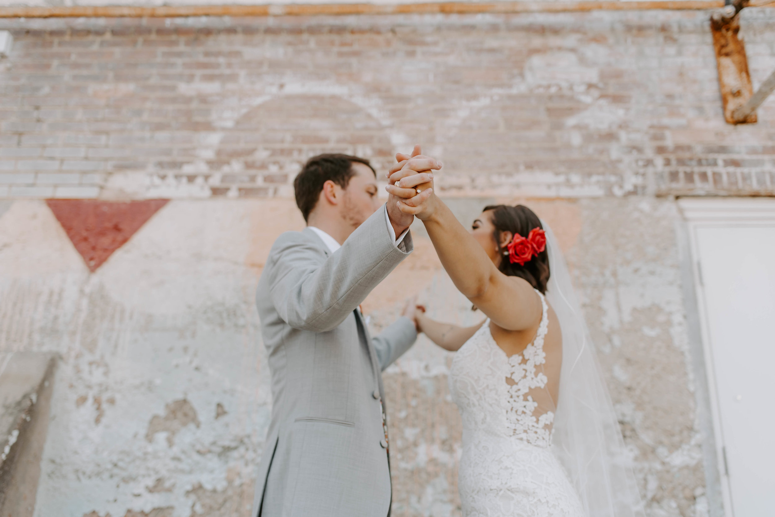 Brik Venue Fort Worth Summer Wedding--32.jpg