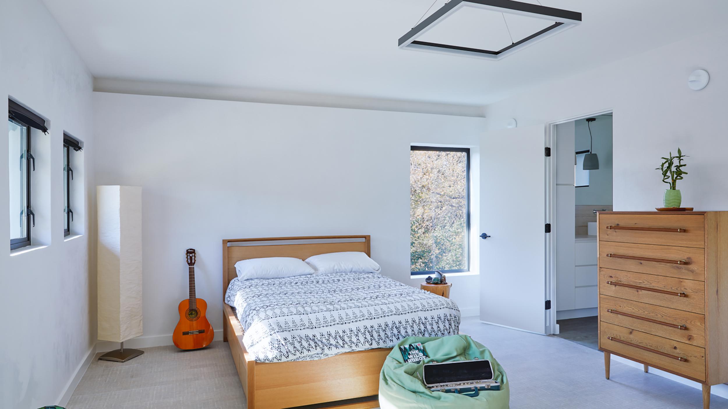 Leonid_Furmansky_bedroom.jpg