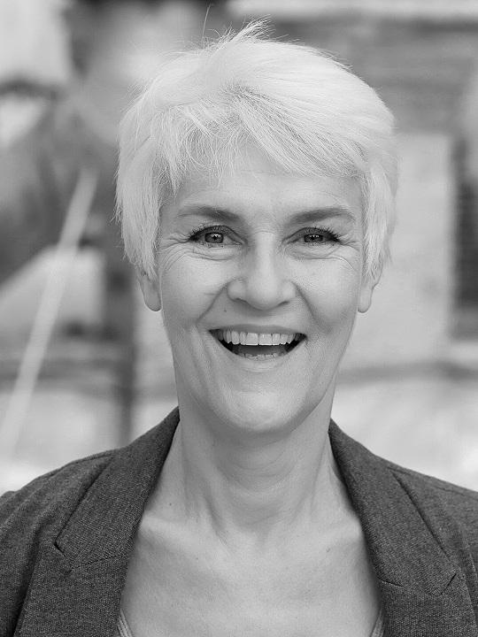 Julie Berndt -