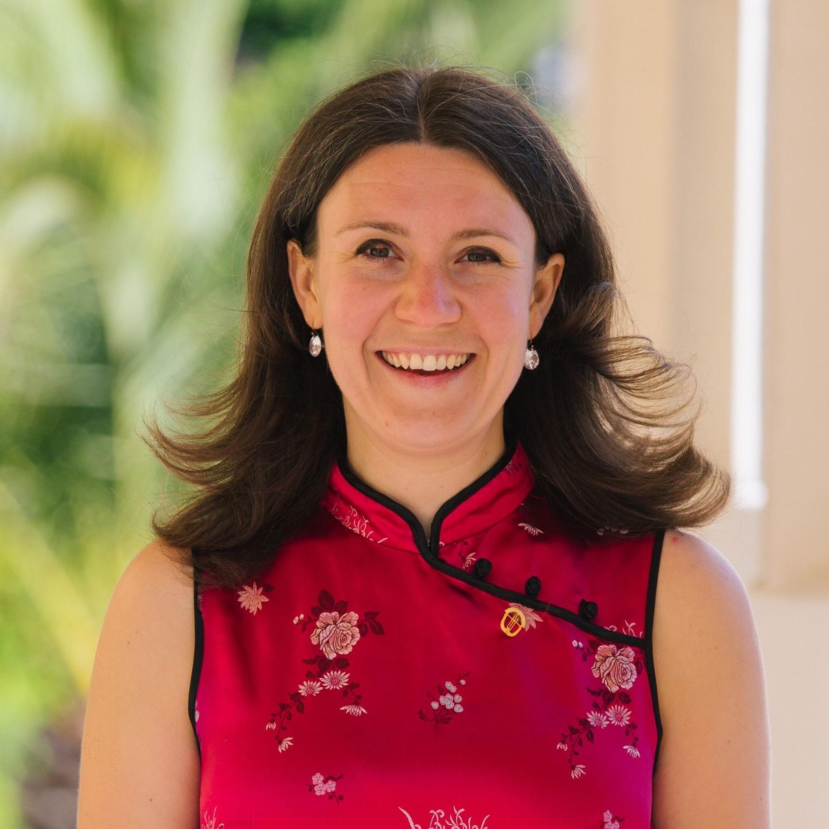 指揮 conductor  緄多利納  Maria Goundorina