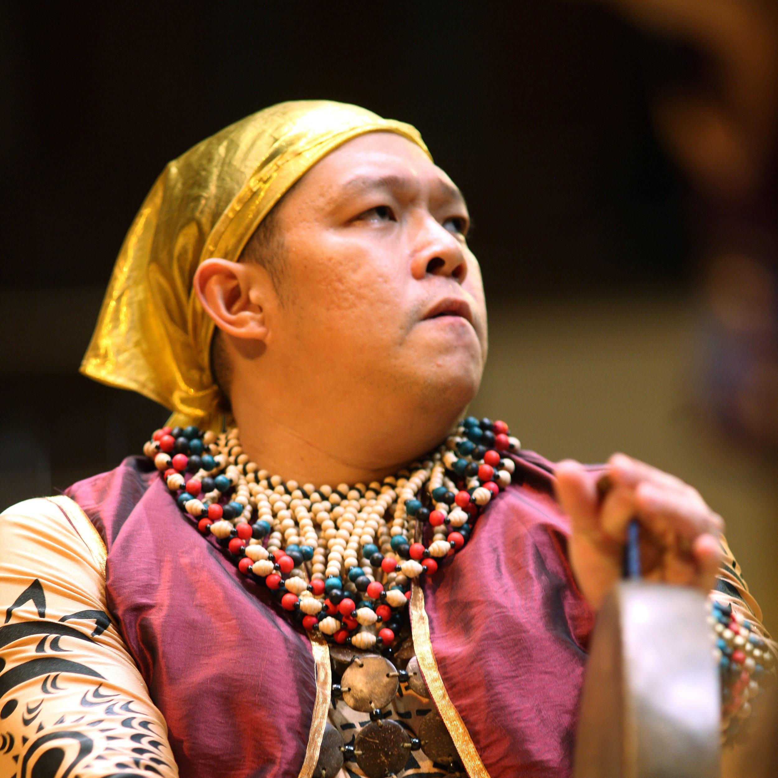 指揮 conductor  蘇嘉羅  Dennis Sugarol