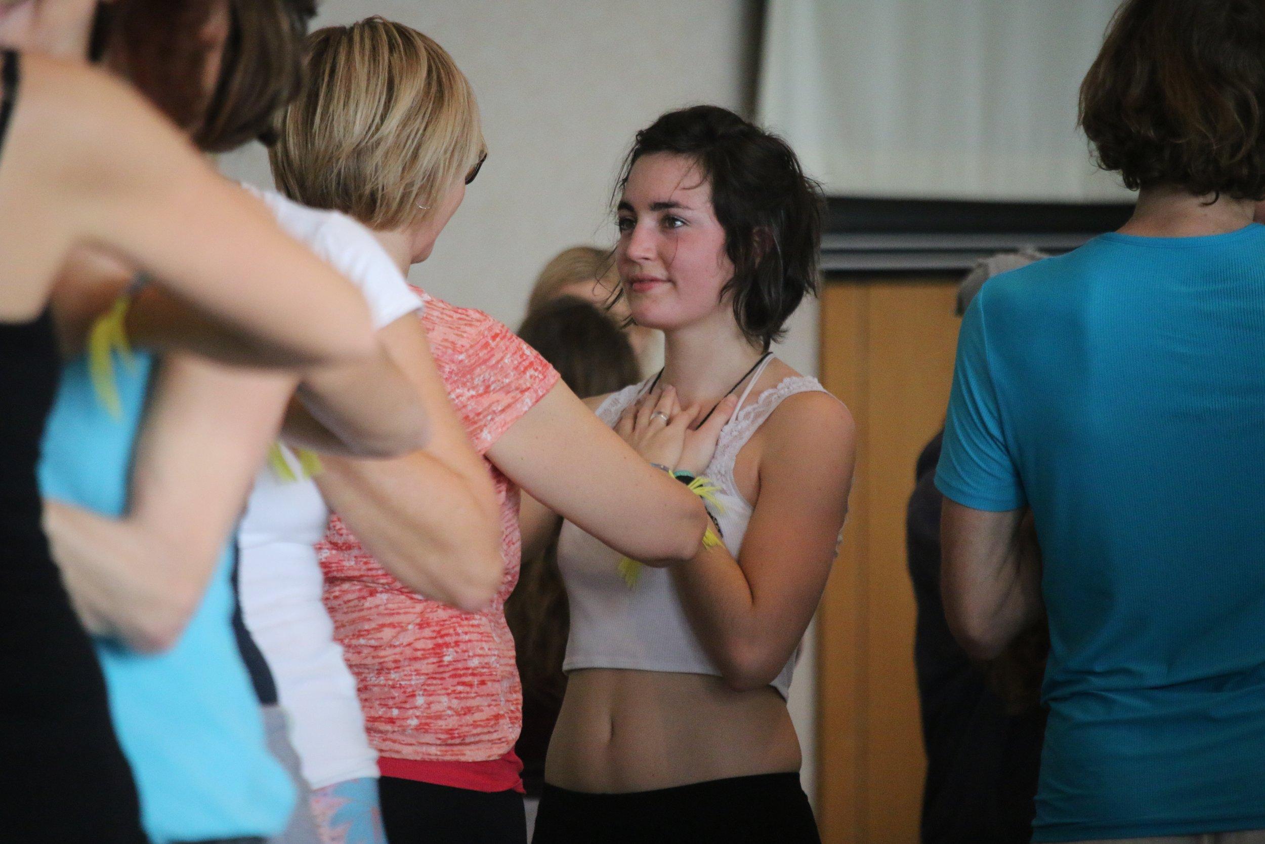 Die Yoga Trance Dance™ Ausbildung - kann einer +300 oder 500h Yoga Alliance zertifizierten Prana Flow Ausbildung angerechnet werden.Eine 200h Ausbildung ist notwendig, um Yoga Trance Dance™ Sessions zu leiten!