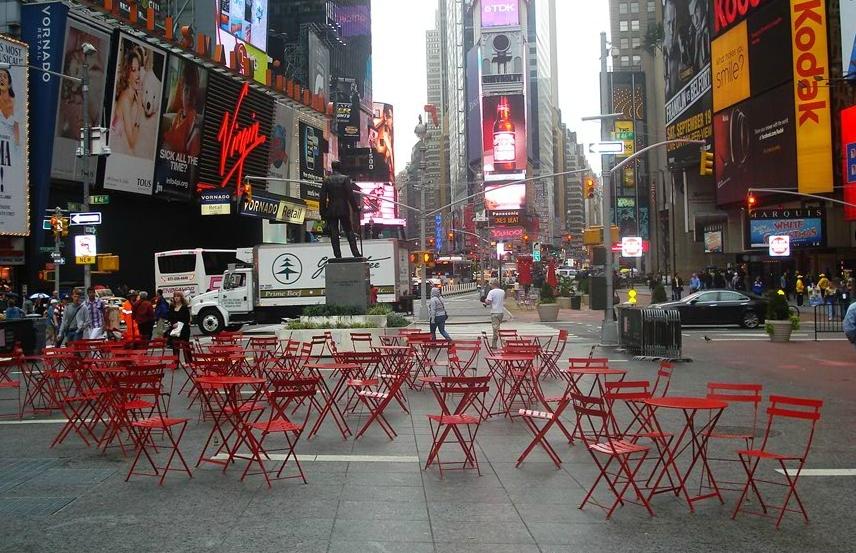 FERMOB _ New York _ Times Square