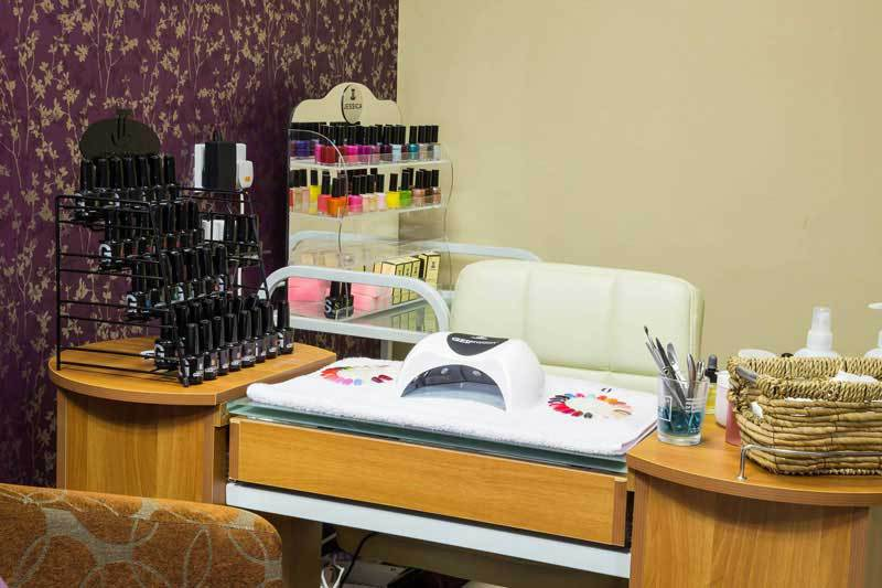 manicure-table.jpg