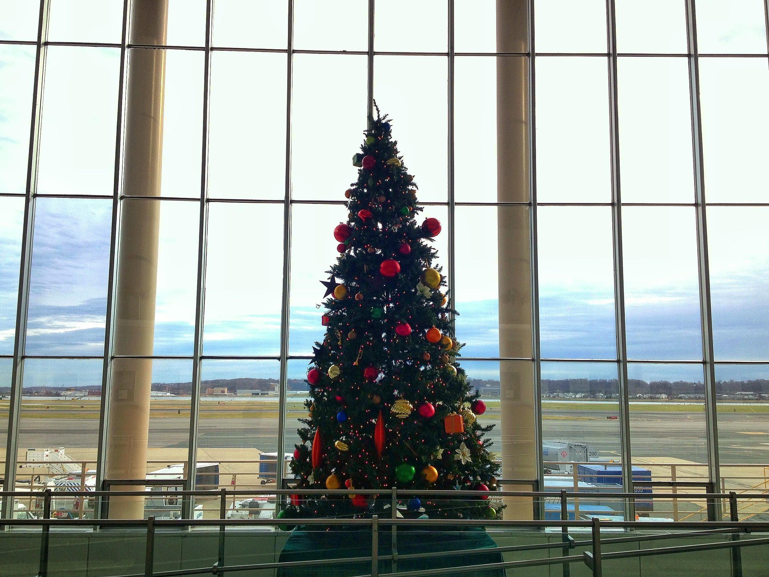 veryairportchristmas.jpg