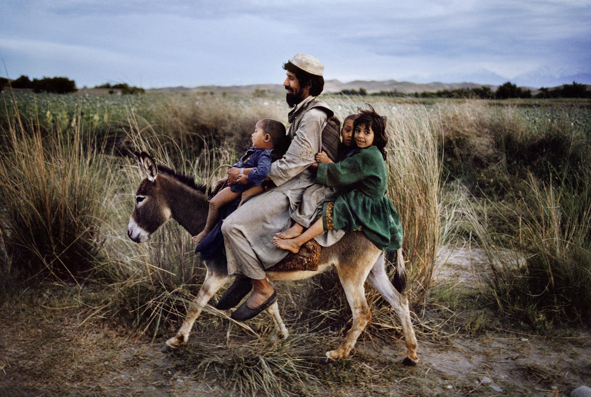 Steve McCurry, Maimana, Afghanistan, 2003 - Copyright Steve McCurry ©