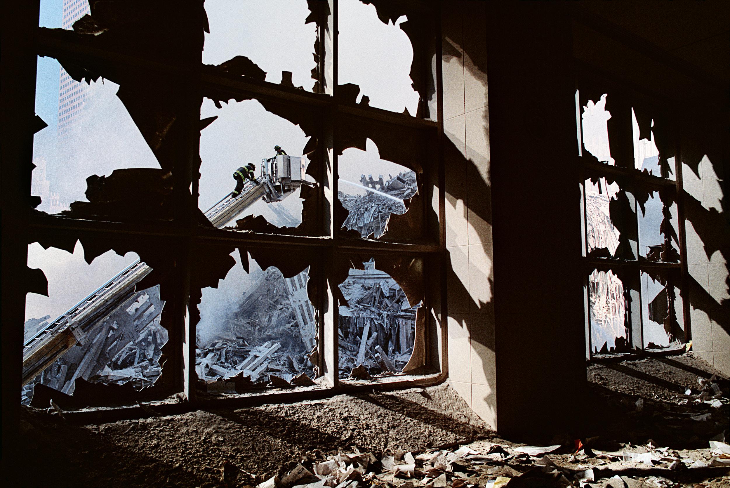 Steve McCurry, September 11, New York City, New York, 2001 - - Copyright Steve McCurry ©