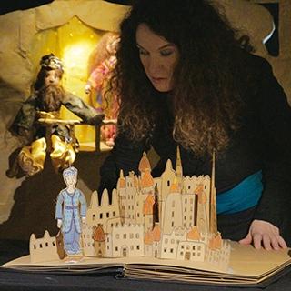 MILLE NUITS ET DES POUSSIERES - Marionnettes et contes de papier