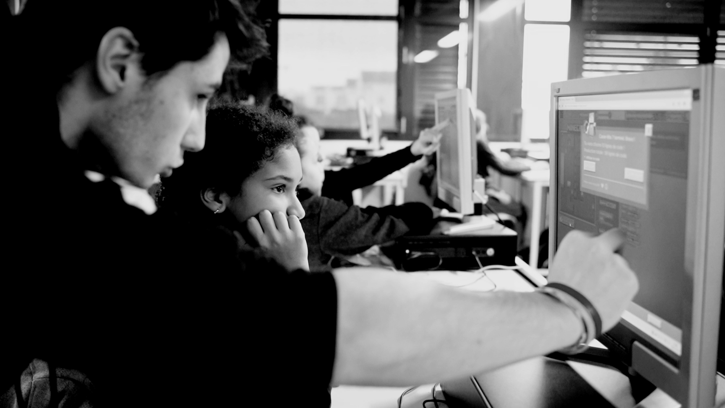 Une heure de code pour les collégiennes et les collégiens - Avec l'opération Hour Of Code, la Fondation LDigital a sensibilisé 2641 élèves de 6ème dont la moitié de collégiennes. 72% de ces élèves ont désormais envie d'apprendre à coder !