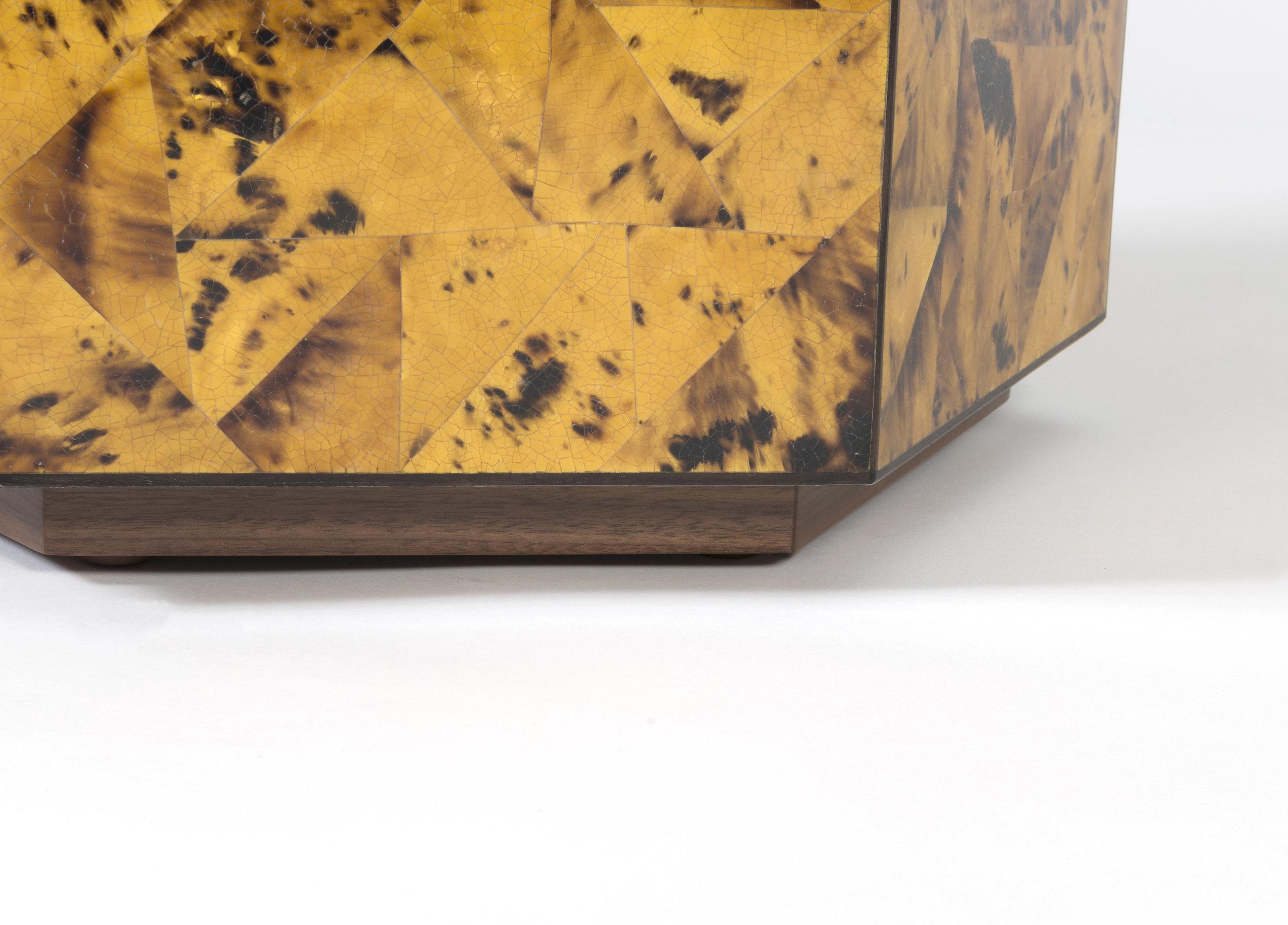 hexagon amber penshell-detail2.jpg