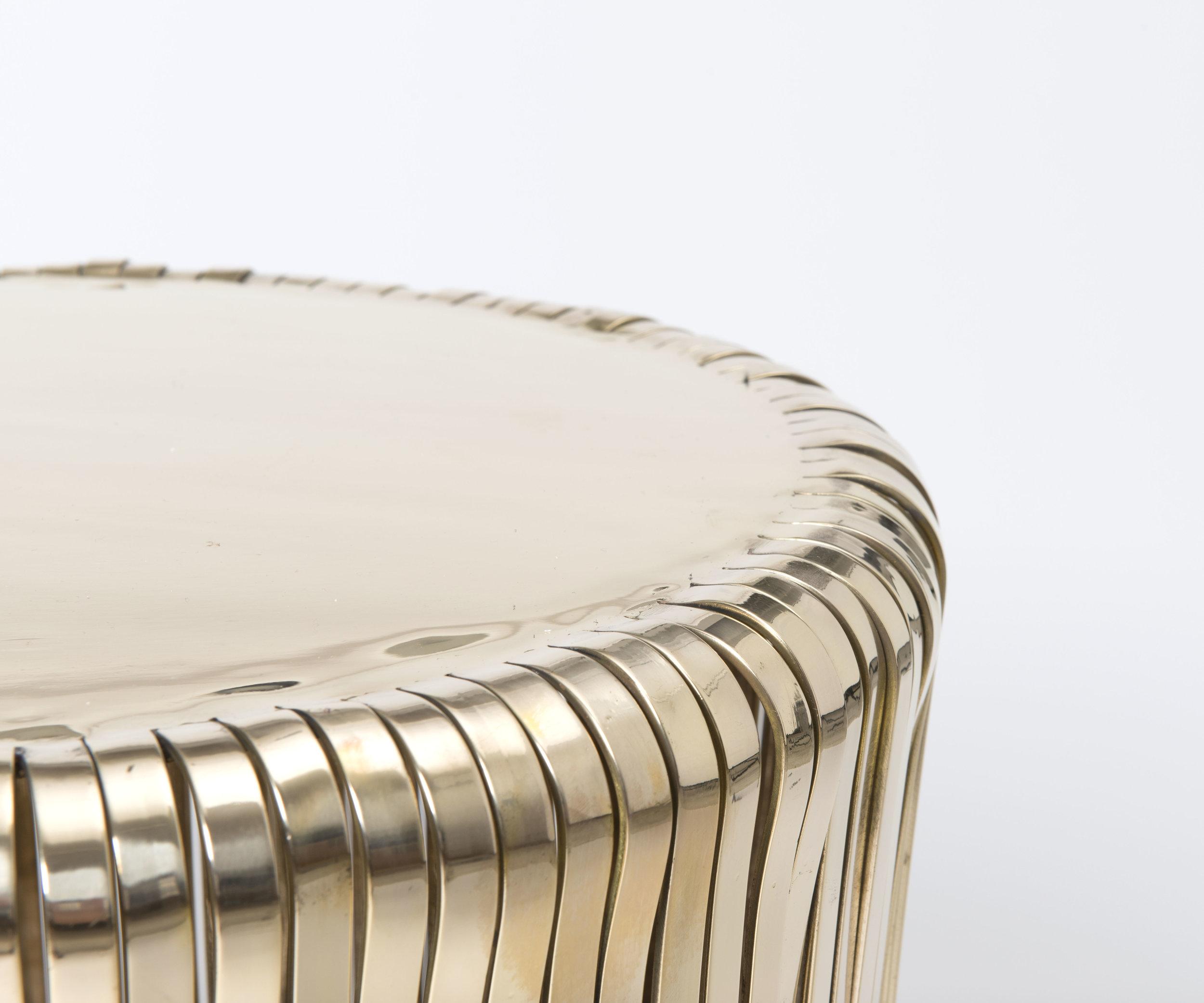 lana table_detail.jpg