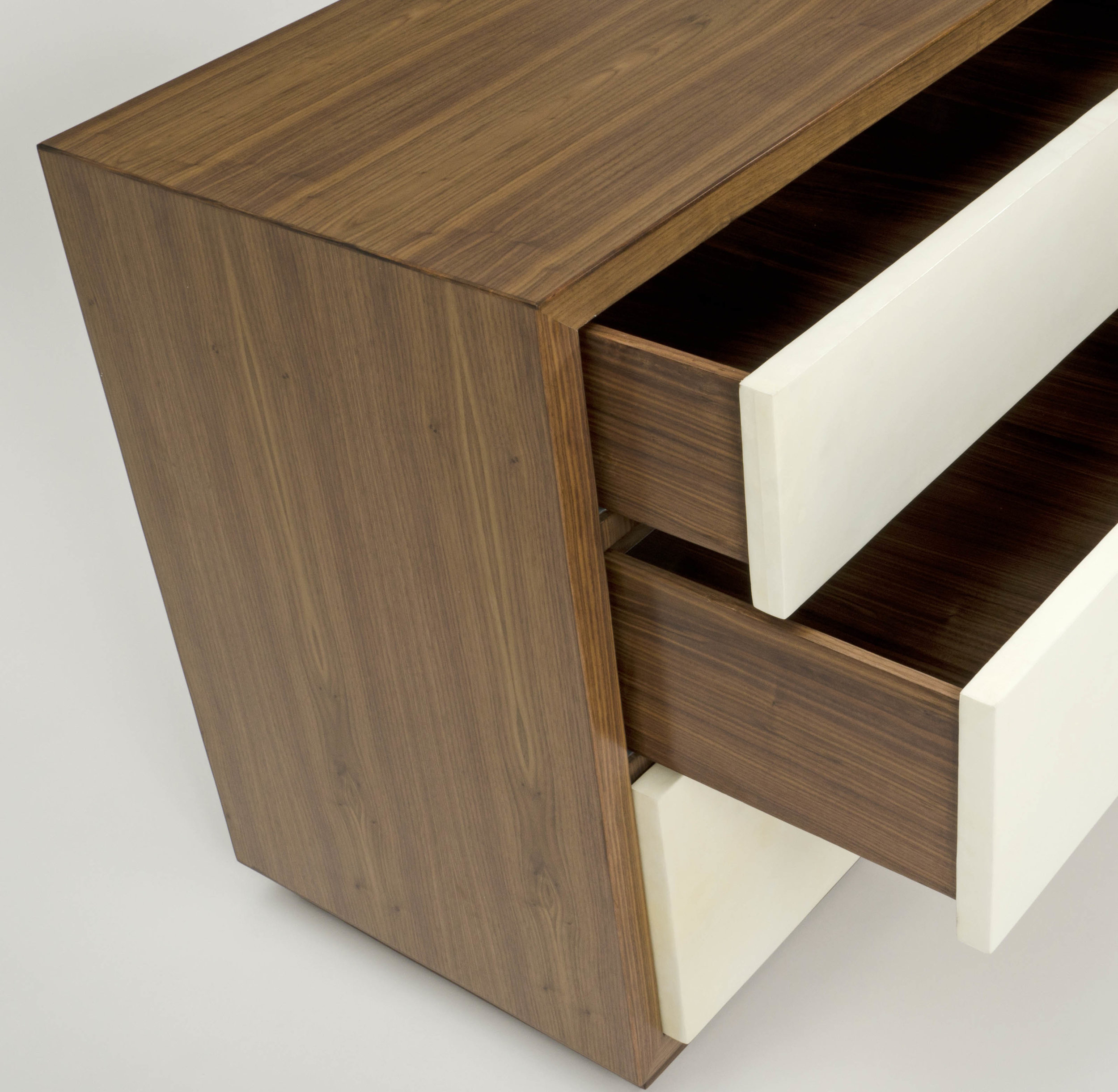 William_chest_angle_drawers.jpg
