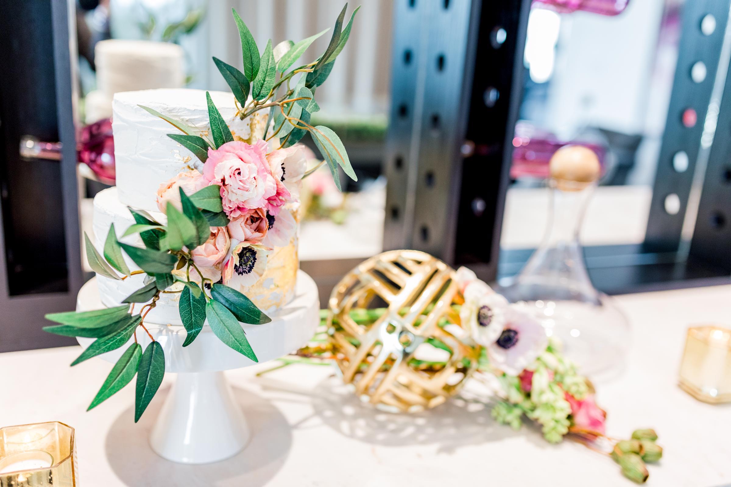 SPP_GraySage_Valentines_Cake_Flower_Ball.jpg