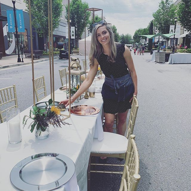 Setting up for Savor the Boulevard at Avalon. Beautiful day supporting the Giving Kitchen. @givingkitchen @avaloninsider #savortheboulevard #eventstyling #tablescape
