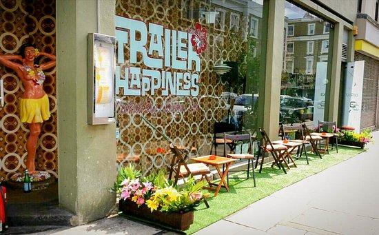 trailer-happiness.jpg