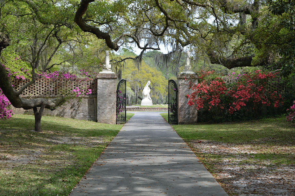 Brookgreen Gardens ,  Murrells Inlet :  ROUTE TO (RE)SETTLEMENT  Exhibition Venue & cultural partner