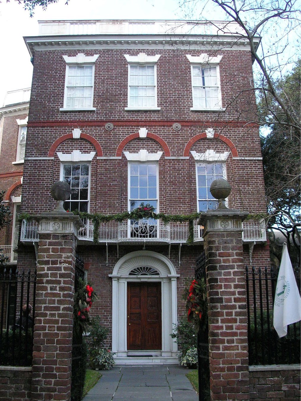 Nathaniel-Russell House ,  south of broad :  Route to (re)settlement  Exhibition Venue