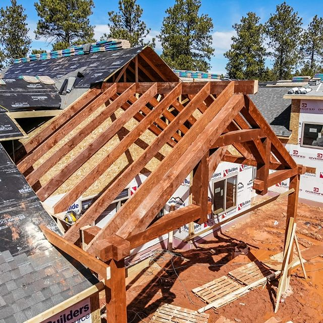 Diversified Construction of Spearfish, SD setting the entryway beams at this custom home in the Black Hills. . . . #BFSBuilt #BFSSpearfish #buildersfirstsource #diversifiedconstruction #newhome #customhome #blackhills #mountainhome #timber #timberconstruction #entryway #contractorlife #builder #builders #contractor #contractors #newconstruction #newbuild #mountain #mountains #southdakota #customhomebuilder #customhomebuilders #newbuild #framing #homeframing #houseframing #lumber #buildingmaterials