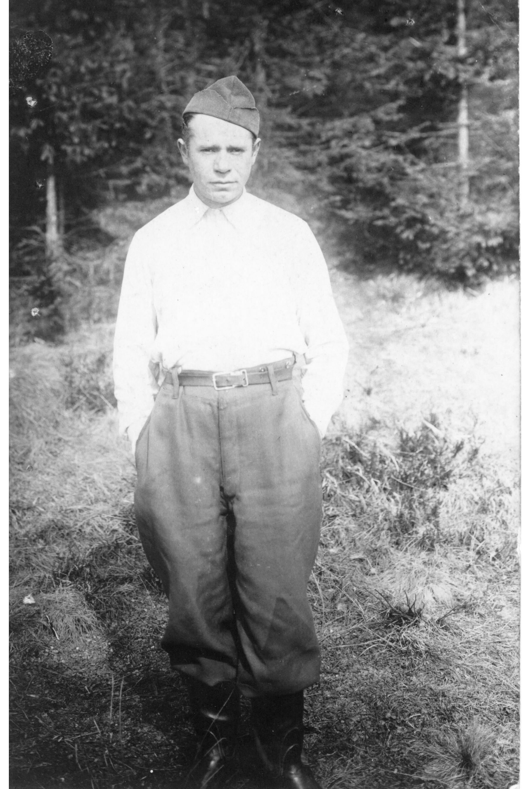 RAV CHAJKIN POW 1940-45.jpg