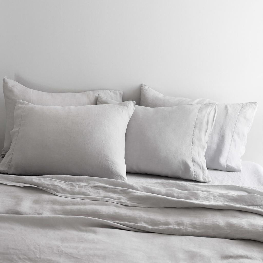 Light_Grey_Bed_Set_1_1024x1024.jpg