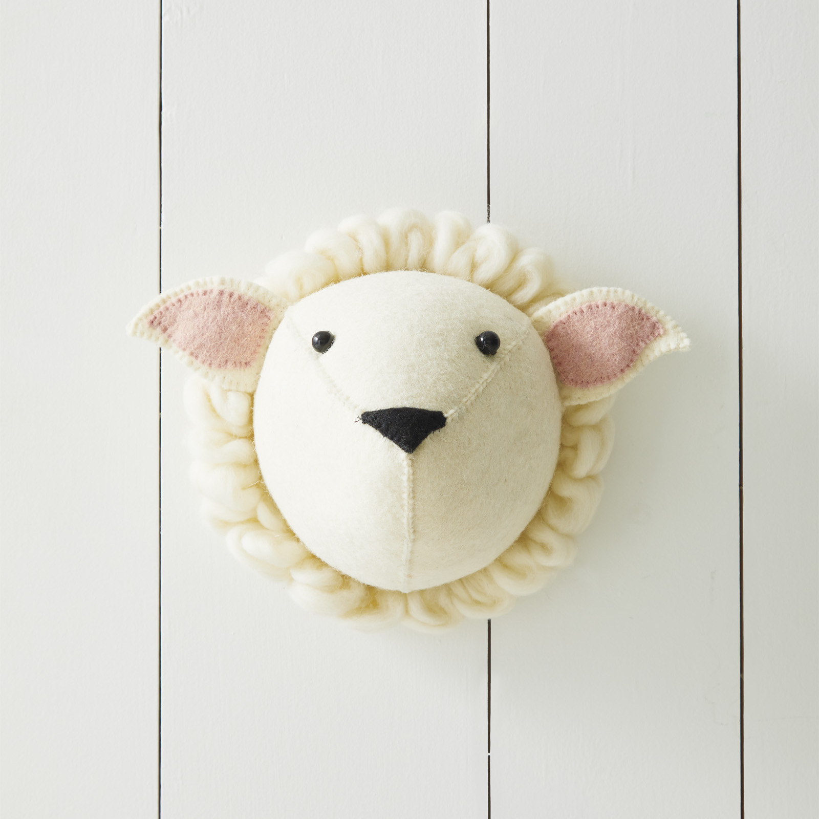 Nursery_Felt_Animal_Heads_Sheep_MV_0296_Crop_BASE.jpg