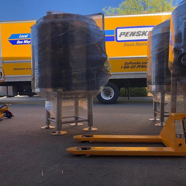 Tank delivery! #craftbeer #happiness #stainless #makingithappen #weldingmagic #wherestheforklift #heavylifting #power #beer #cerveza #brews #brew #fermentation #beers #brewski #lifting #liftingmotivation #transport #bigboy