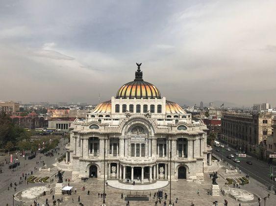 Palacio de Bellas Artes; Photograph by Mahesh Varma.