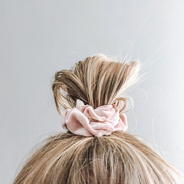 "Does this scrunchie make my hair look big? 😋 Remember a few weeks ago I shared with you guys that my hair had been getting really greasy really quickly? My inbox was flooded with DM's of people sharing advice & similarities... What I didn't tell you is that my greasy hair is the smallest part of the problem. I also didn't tell you that for the last year my hair has become my biggest insecurity.  I wrote off the hair loss as a normal postpartum symptom. My doctor told me that the fatigue, brain fog, & random onset's of anxiety were due to the lack of sleep from the new baby. However, after months & months of not feeling like myself the phrase ""this is all normal after having a baby"" wasn't cutting it anymore.. My hair isn't back & my anxiety isn't gone, but I'm moving in the direction of feeling more like me. Mama's - if you don't feel like yourself, don't settle for this being your new normal!! My journey is far from over, but I'm sharing the beginning steps of my postpartum journey on the blog & will continue the share throughout this process 💗"