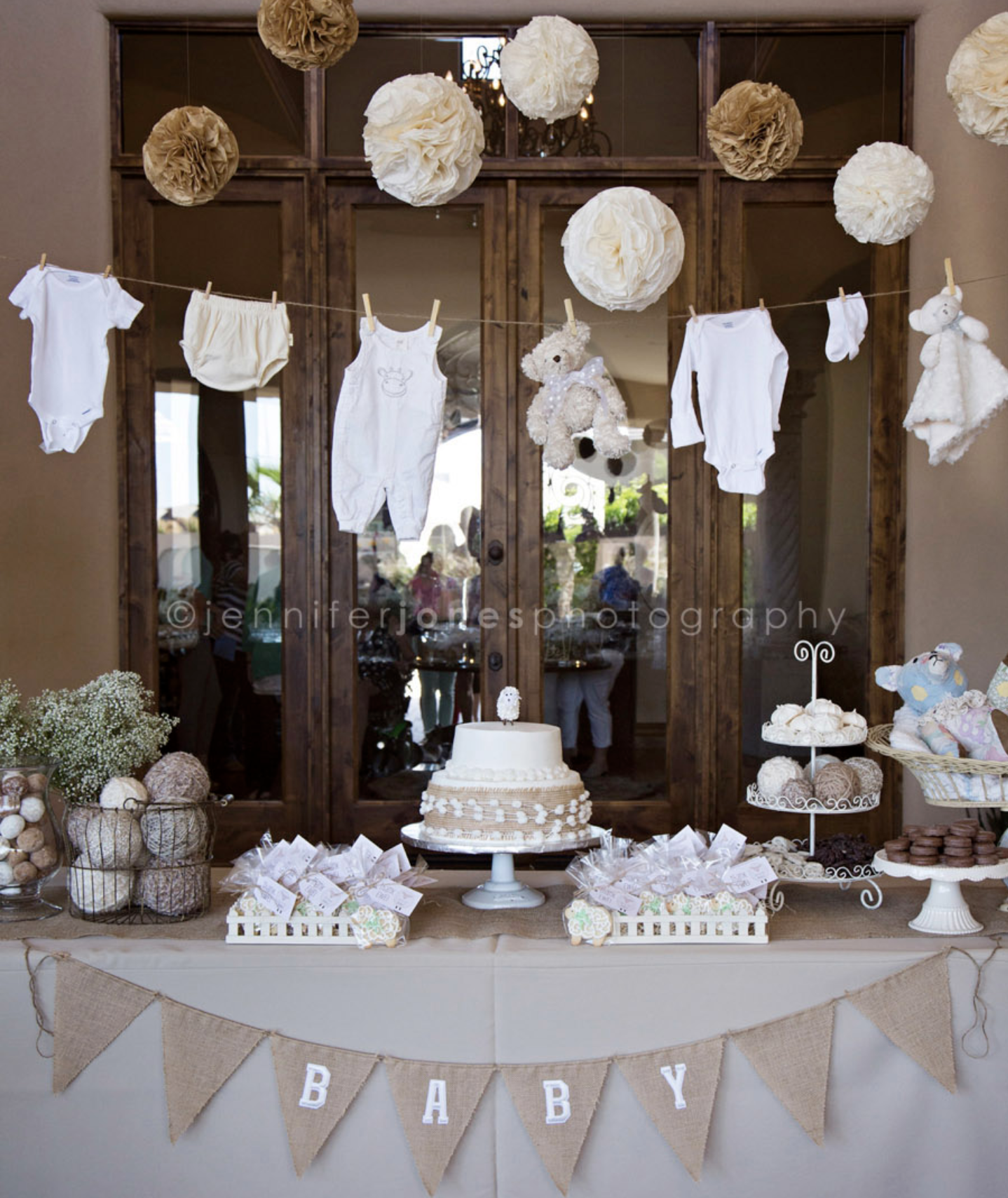 Baby shower planning is the best! Mamma-to-be & I are so obsessed with these neutral tones for her sweet baby boy.