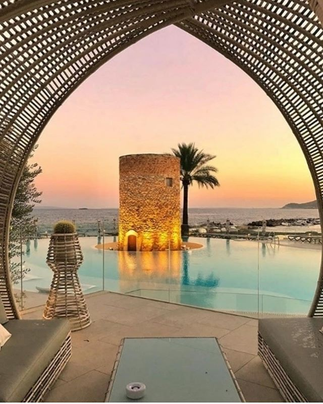 Those magical Ibiza nights.. Imagine chilling out here at the end of a good days exercising and seeing the real Ibiza.. Jan discount of £75 off with code FBR75! For full details of our May retreat check out our website (link in the bio) #fitbodyretreats #escapethecity #lifeexperience