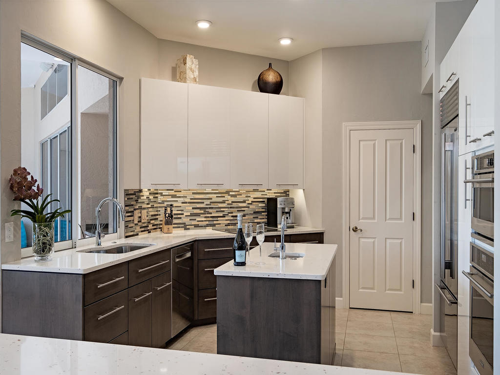 Project Images Naples FL 34102-019-14-KitchenView2-MLS_Size.jpg