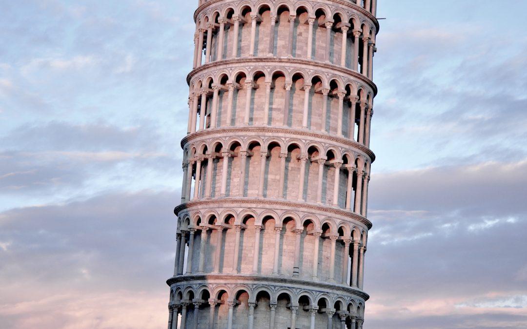 Pisa - Torre Pendente (leading tower).