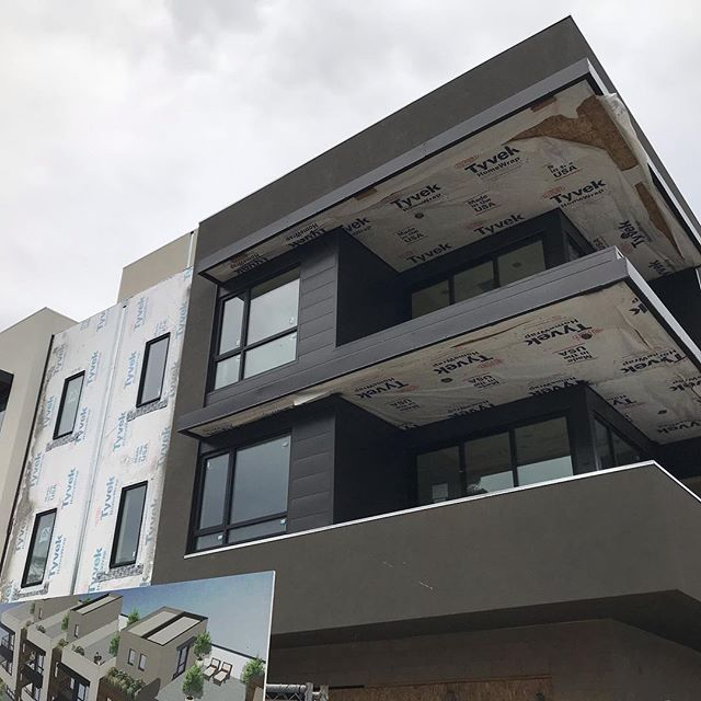 With the scaffolding down the 460 Marsh St residences are looking amazing! Now everyone else can see what we knew all along. This is truly elegant modern living. 😍