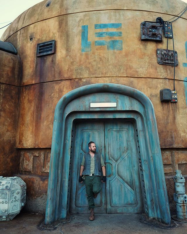 I had a great time celebrating my birthday with a visit to Black Spire Outpost on Batuu - I even dressed in my best Star Wars Universe inspired outfit!