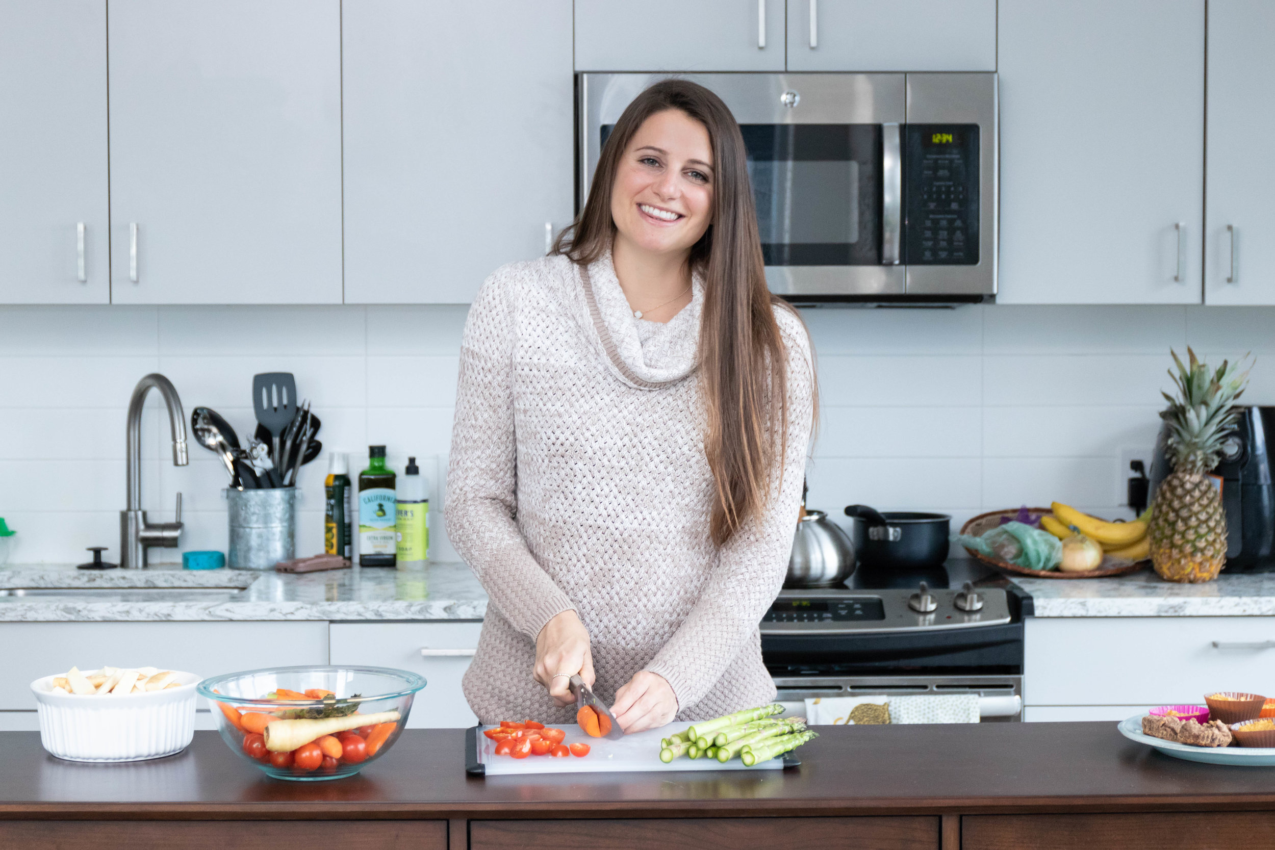 Did you know? - Erin is a registered dietitian who provides individualized meal plans for her clients.click the image to learn more about her photo shoot.