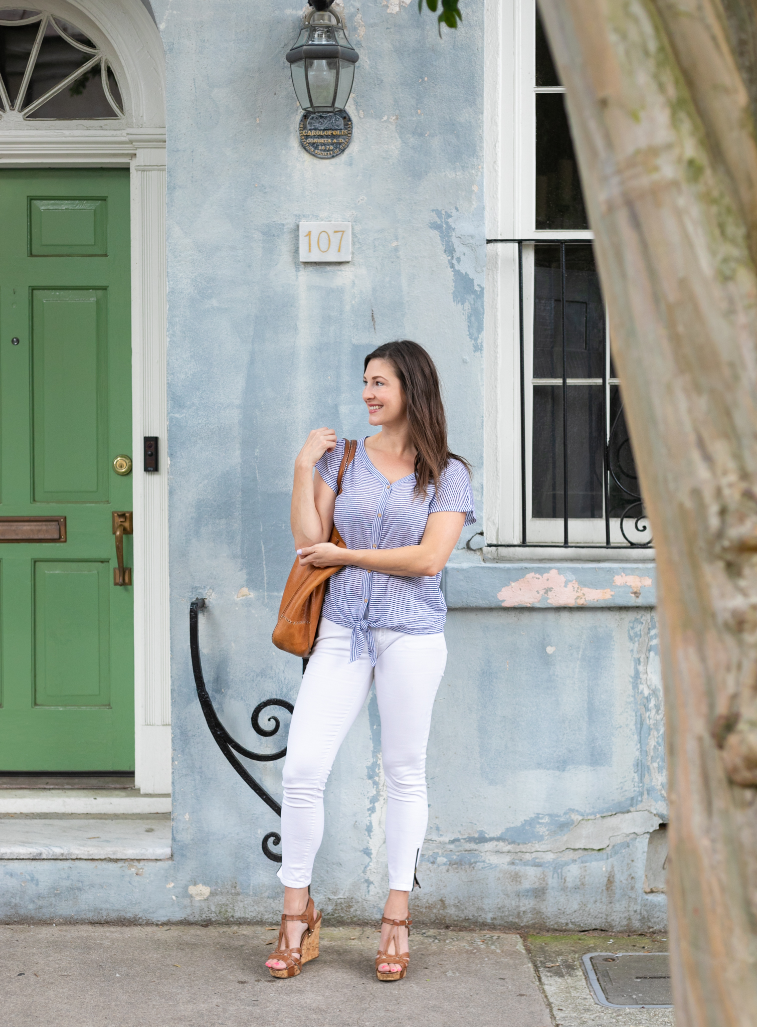 Easy poses that will flatter your body type for the woman entrepreneur branding and lifestyle photographer Vision Balm in Charleston, SC. Branding and lifestyle photo shoot woman entrepreneur.