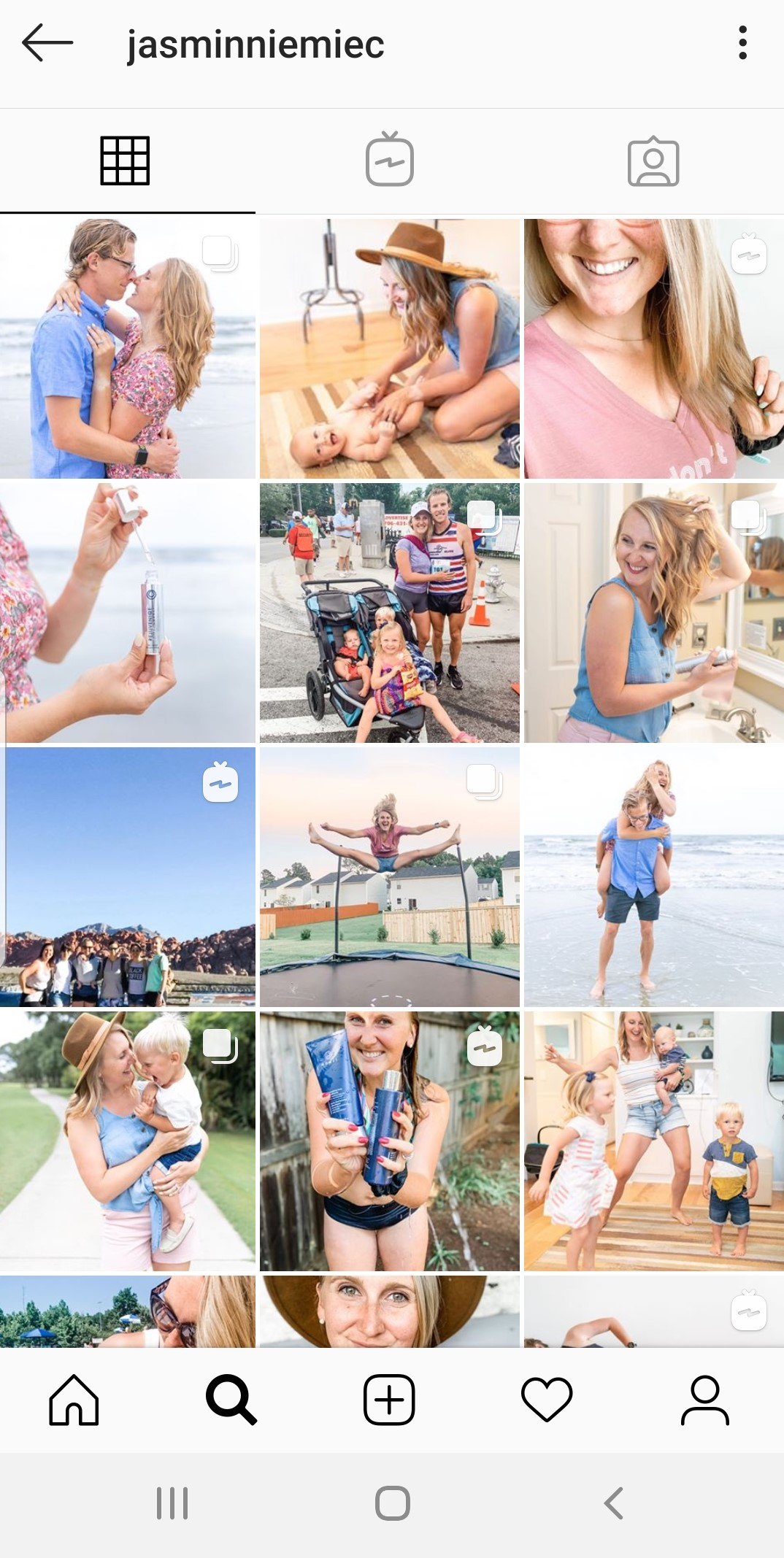 Effective ways to use your personal branding photos. Personal branding and lifestyle photographer for the woman entrepreneur in Charleston, SC. Personal branding photography uses: how to use personal branding photos to market yourself.