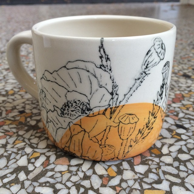 domesticablog :     Dreamy mug by @amandabarr. Fall looks golden! #tea #coffee #ceramics #handmade #poppy #flower #gifts #mug #cup via Instagram  http://ift.tt/1rw4Zbw